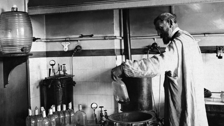 Louis Pasteur n'avait pas le droit de faire des vaccins