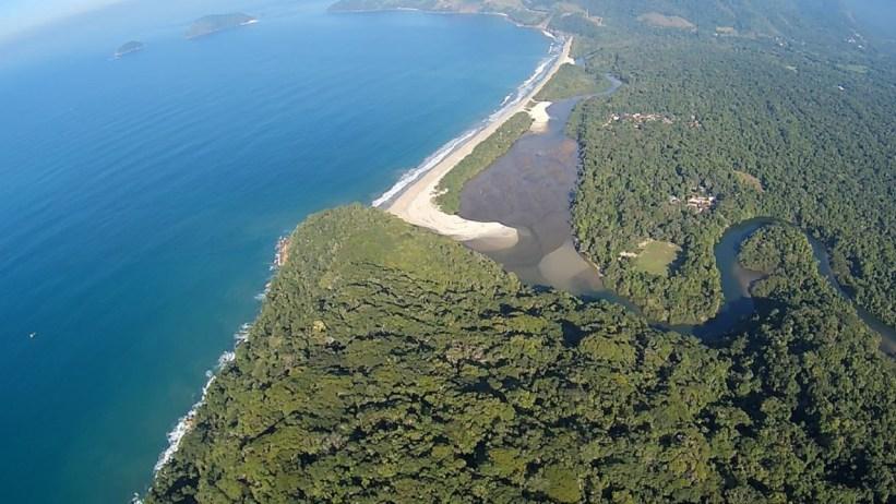 Praia da Puruba. Imagem de @ubafly