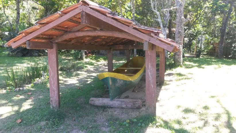 Canoa na Praia Grande do Bonete