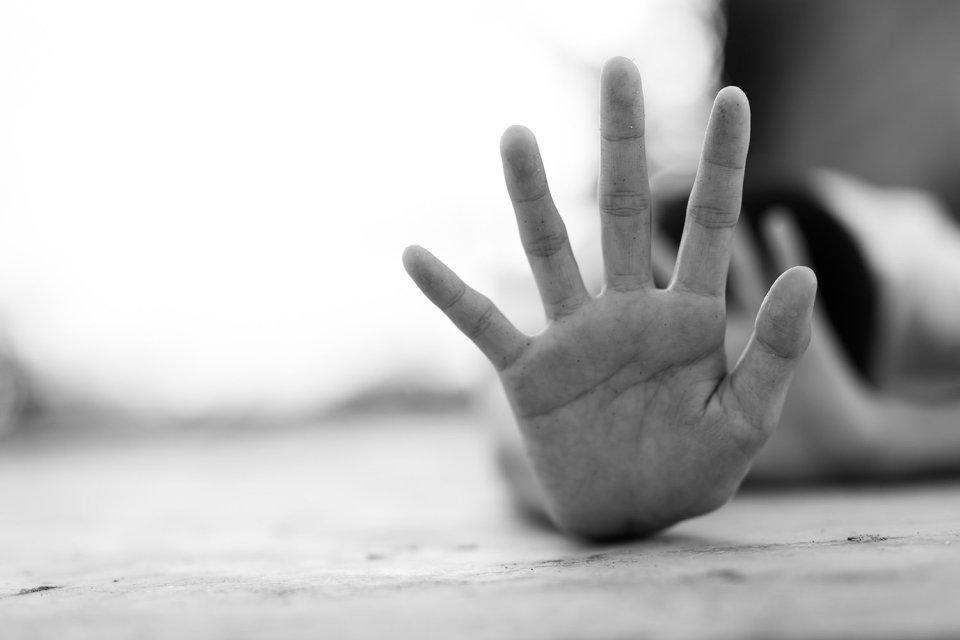 Pedir ayuda es clave para salir del maltrato
