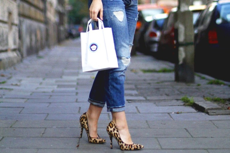 zapatos que mejor combinan con cada outfit