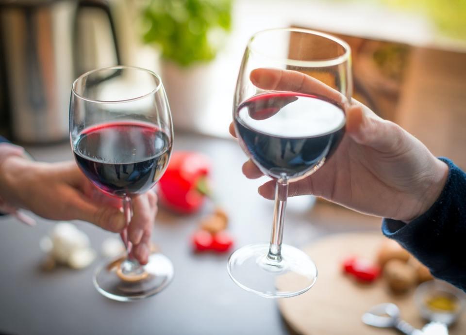 Reducir tu consumo de alcohol parece imposible, pero en realidad puedes conseguirlo trazando un sencillo plan