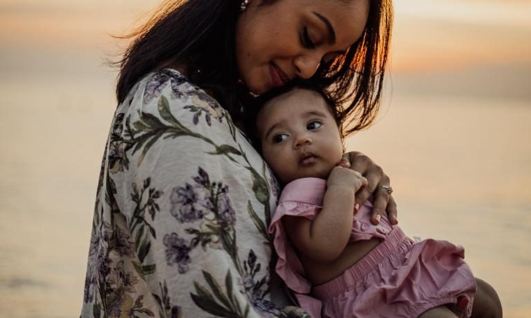 Ser madre soltera es todo un reto para las mujeres