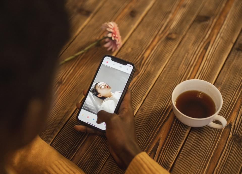 Lo mejor para triunfar en Tinder es crearte un perfil único y tener una buena conversación con tu  match