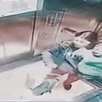 IMPACTANTE VÍDEO: Una niñera china propina 14 puñetazos a un menor en un ascensor cerrado