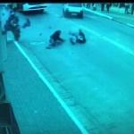 Impresionante persecución policial a una moto.
