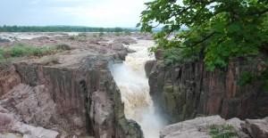 Raneh Falls pendant la mousson