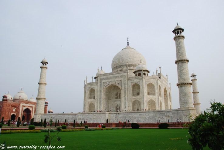 Facing The Taj Mahal Curiosity Escapes