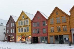 Maisonettes de Bryggen sous la neige