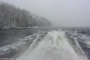 Tempête de neige sur le fjord de Bergen: Osterfjord