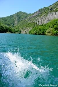 Canyon de Matka vu de l'eau, Macédoine