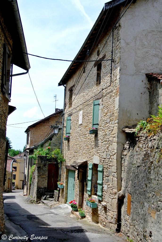 Les rues de Crémieu, Isère