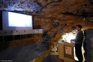 Salles des chauves-souris dans la grotte