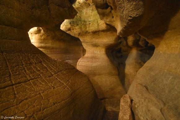 Labyrinthe naturel dans les grottes de La Balme