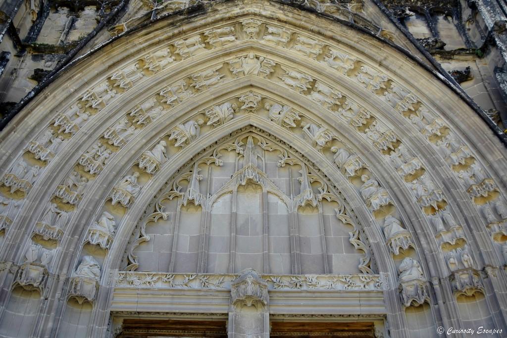 Détails de la façade gothique de l'abbaye de Saint Antoine