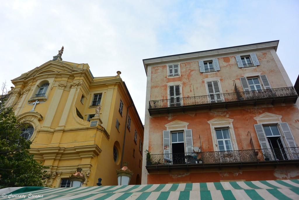 Façades colorées du vieux Nice
