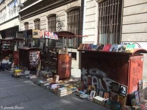 bouquiniste de rue à Belgrade