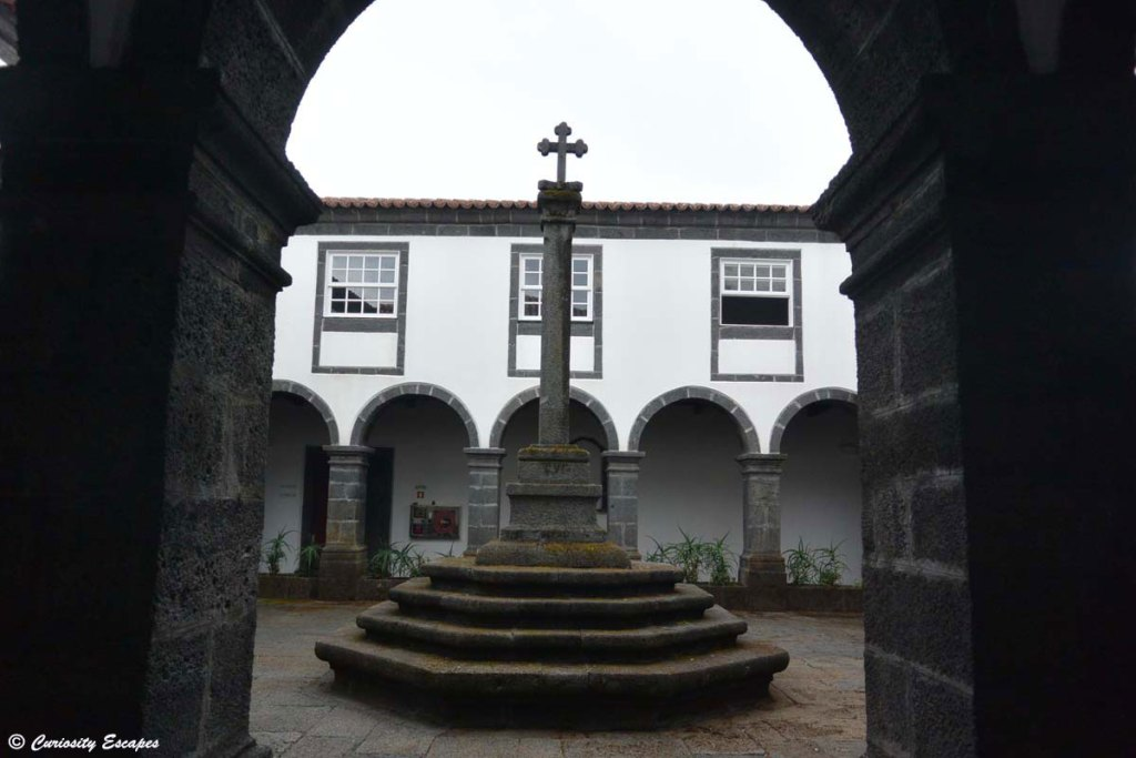 Auberge de jeunesse dans un couvent sur Pico