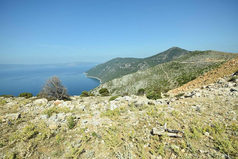 Paysage désertique de l'île de Cres, Croatie