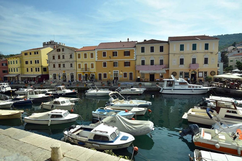 Port aux maisons colorées, Veli Losinj, Croatie