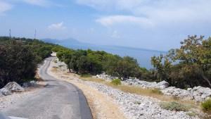 Route centrale de l'île de Losinj en Croatie