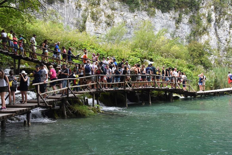 Foule dense aux lacs de Plitvice, Croatie
