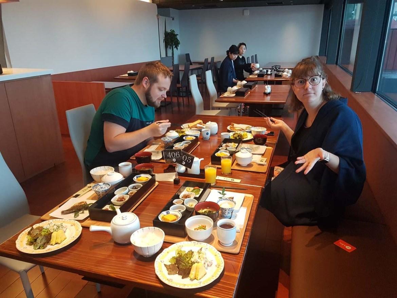 Petit déjeuner gastronomique dans un ryokan au Japon