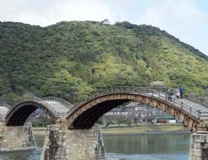 Pont en bois d'Iwakuni, Japon