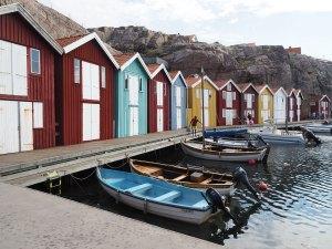 Les cabanes colorées du port de Smögen en Suède