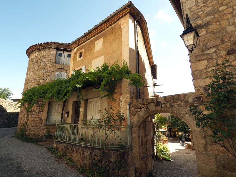 Village de caractère de Désaignes en Ardèche
