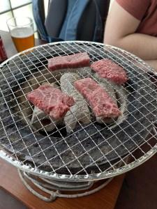 Yakiniku avec de la viande de Kobé au Japon