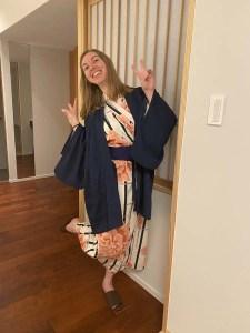 Tenue de yukata dans un ryokan au Japon