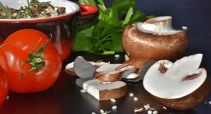 Funghi sott'olio marinati ricetta