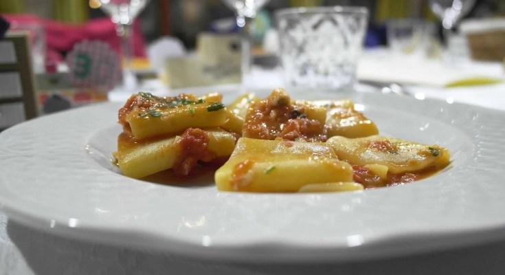Sugo di pomodoro con zucchine piccanti ricetta