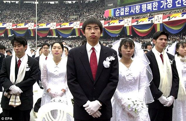 Casamento+em+massa+de+Moon[1]