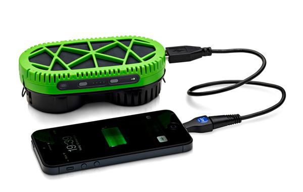 dispositivo-utiliza-agua-para-carregar-bateria-de-celulares-2-descubra-o-verde[1]