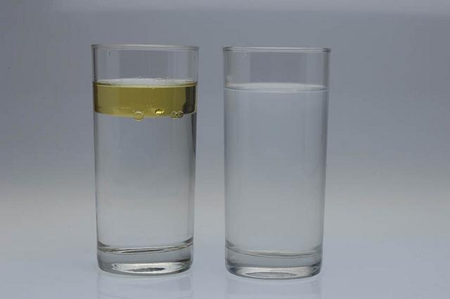 copo agua sal agua oleo