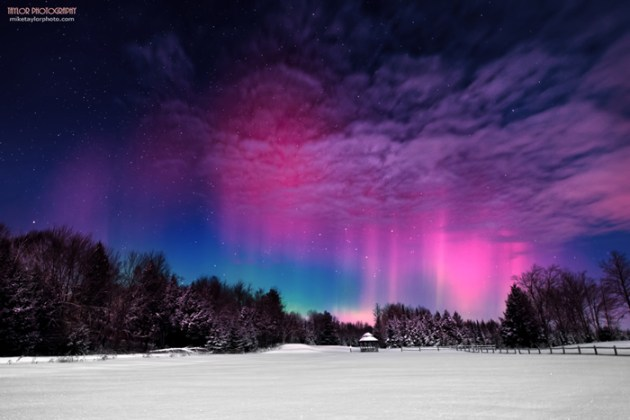 northern-lights-over-maine[1]