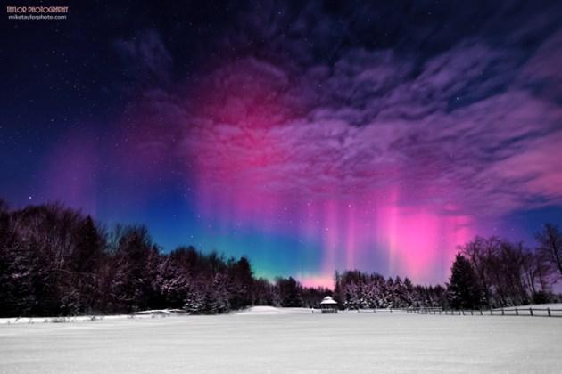 northern-lights-over-maine[1]