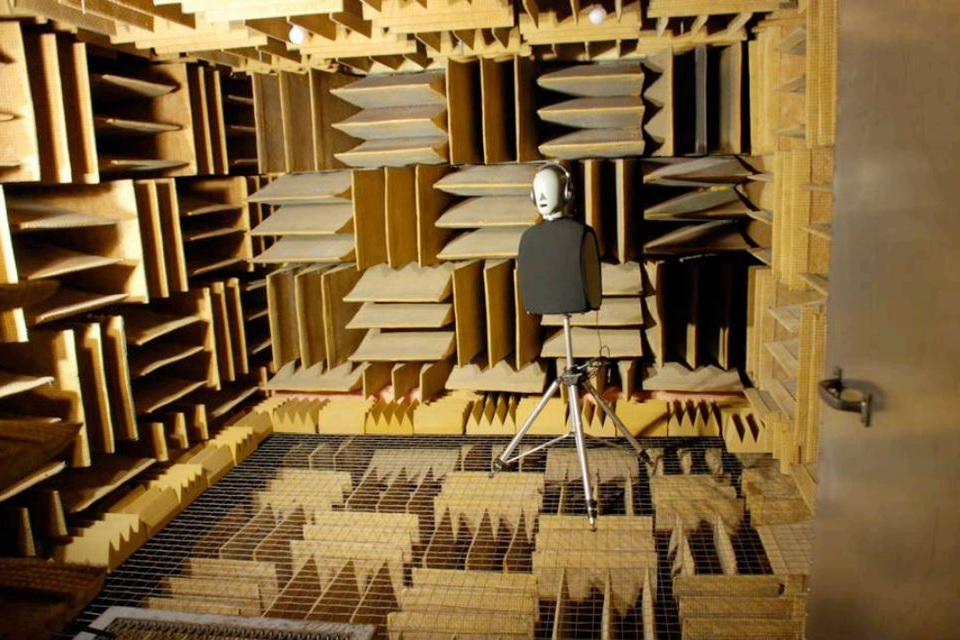 Anechoic Chamber - The most soundless room