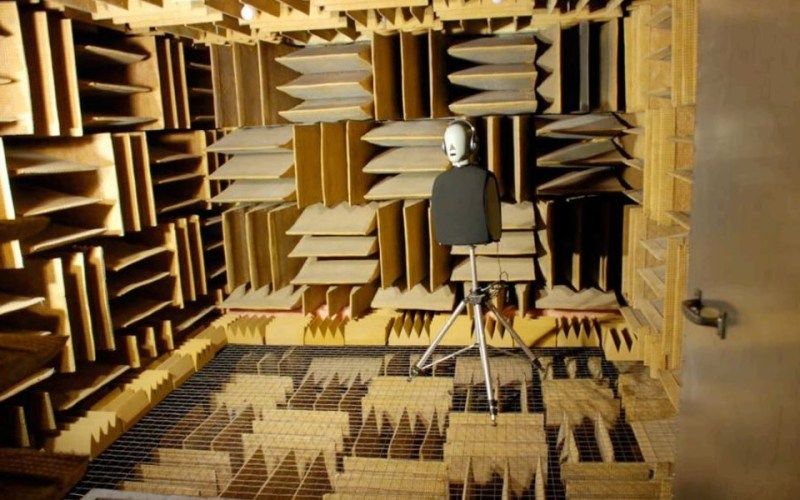 The World's Quietest Place – Anechoic Soundless Room in Minnesota