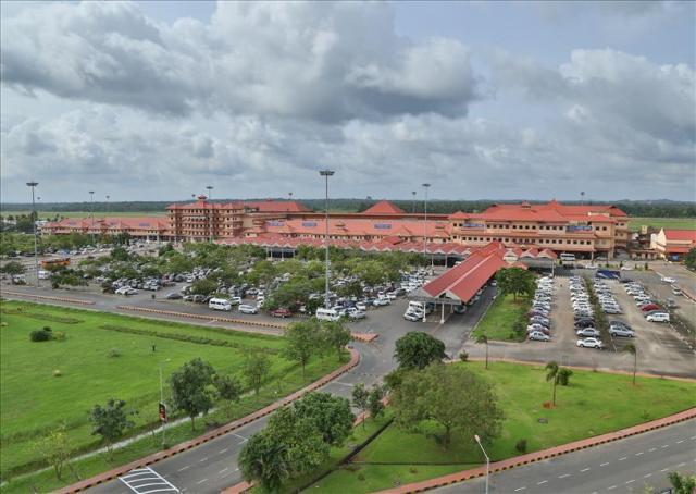 Curiouskeeda - Modi - Airport