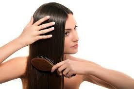 CuriousKeeda - Monsoon Hair Care - Comb