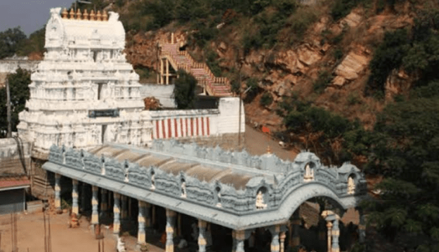 Srikalahasti Temple-Air/vayu - 'Va' shiva