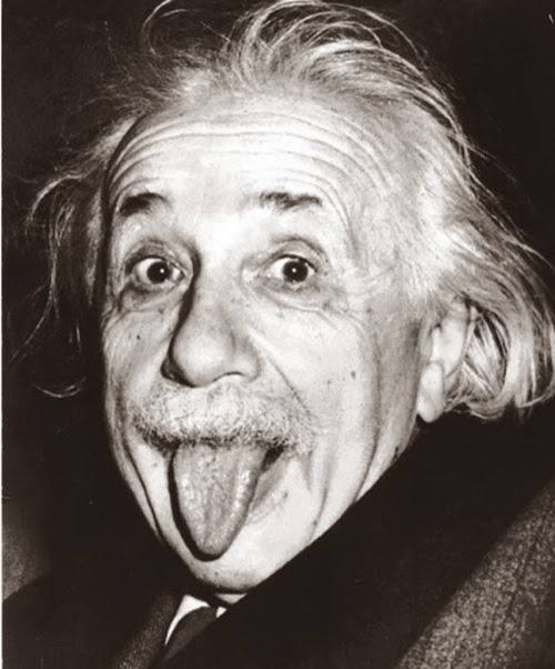 Su foto más famosa, sacando la lengua