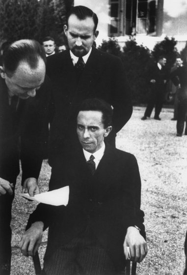 La historia tras la foto de los ojos del odio de Goebbels