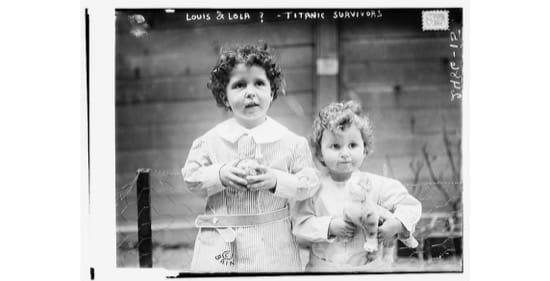 Hermanas de 4 y 2 años, supervivientes del Titanic. Foto de 1912.