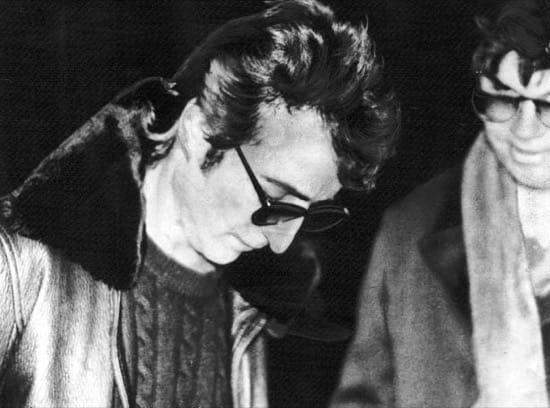John Lennon y su asesino juntos en una foto