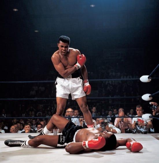 Muhammad Ali gritando Levántate y pelea, mamón