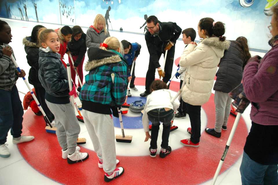 Curling als sportactiviteit voor leerlingen, scholen en jeugd